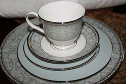 4 westmore 5 piece place setting nib